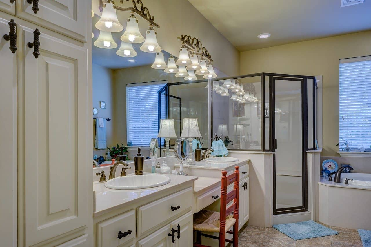 Top 4 Bathroom Cleaning Tips You Need To Follow